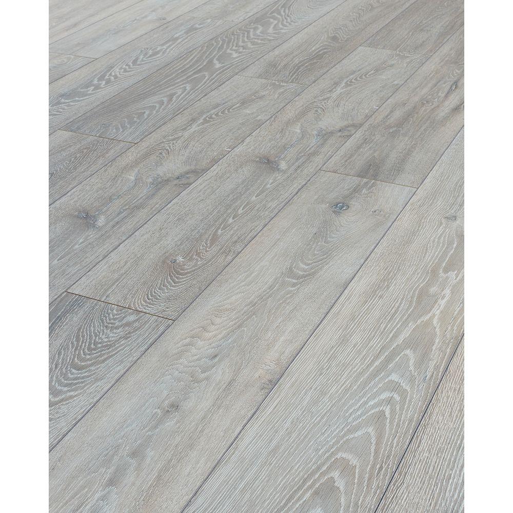 Wickes Shimla Oak Laminate Flooring