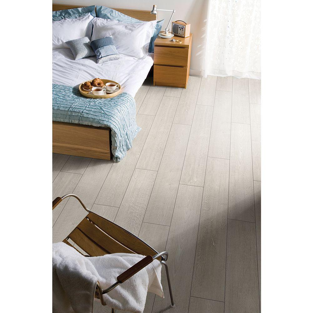 Wickes Albero Oak Laminate Flooring