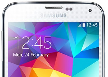 Samsung Galaxy S5 selling out