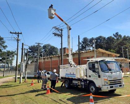 Enel vai começar a usar caminhão elétrico com cesto em São Paulo