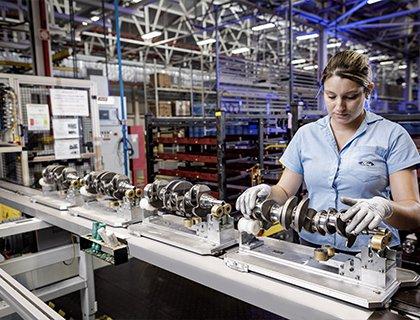 Por que a Ford fecha fábricas no Brasil