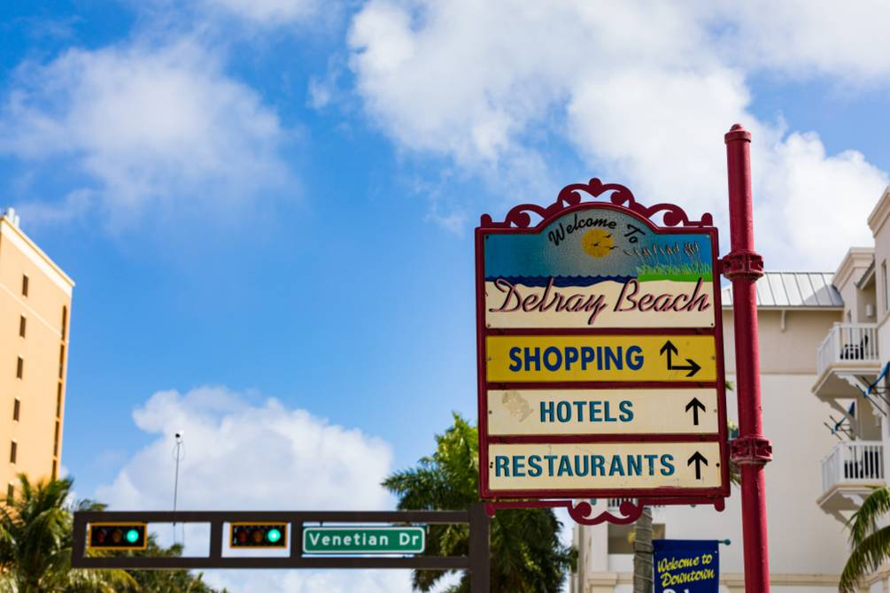 Directional signs at Delray Beach