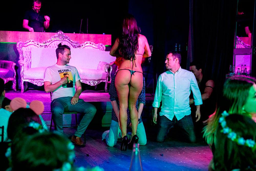 Espectáculo de striper para despedida de soltero