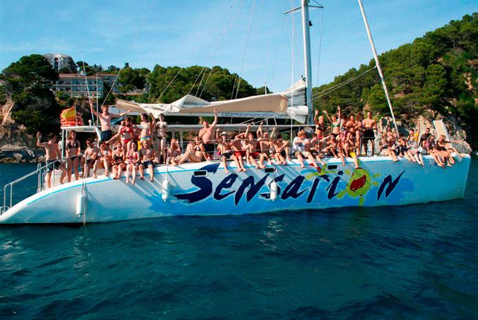 Despedida de soltero en Barcelona en barco