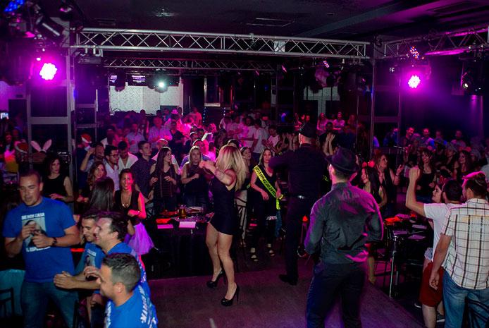 Despedidas mixtas con espectáculo erótico en Madrid