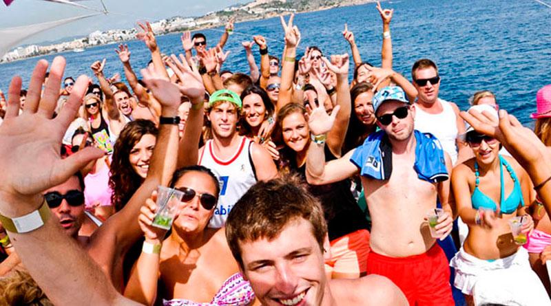 las mejores fiestas en catamarán en Barcelona