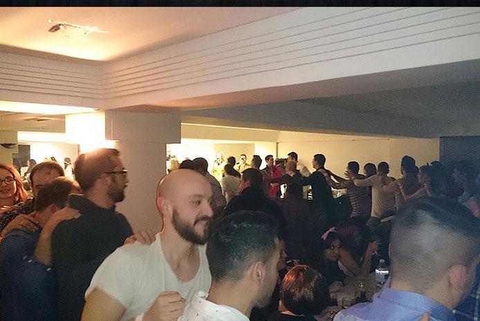Cena espectáculo diferente despedidas Salamanca