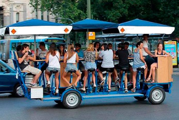 De cañas en bici bar Madrid