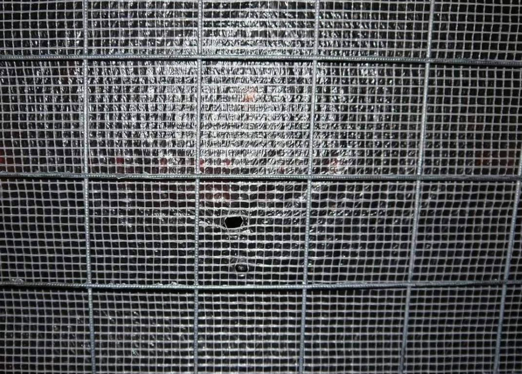 Фото дырки в Ðаборе, Ðа которую в том числе дали штраф, Дениса Шендеровича