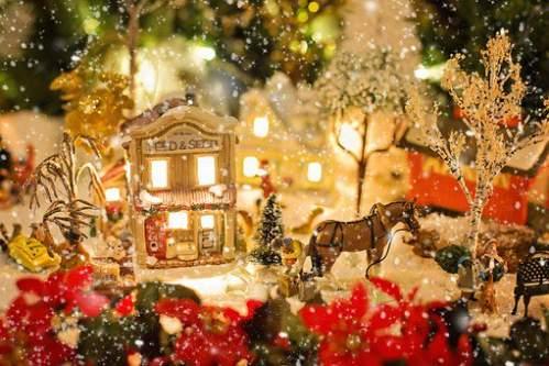 Paesaggio di Natale innevato