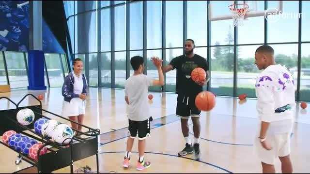 Nike PLAYlist