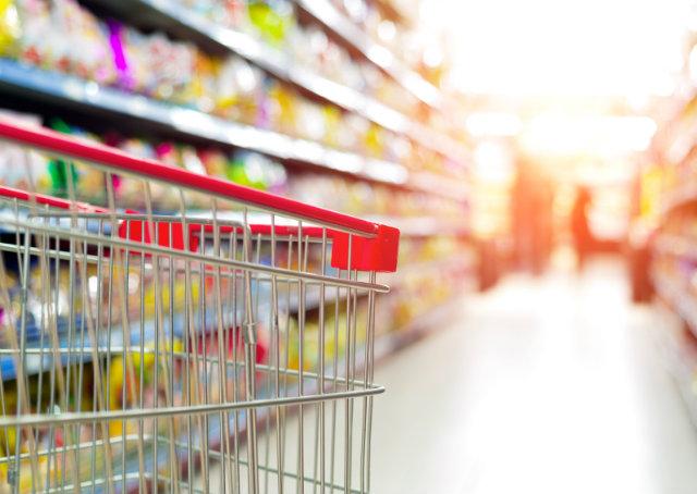 Pesquisa: brasileiro está mais consciente na hora de consumir
