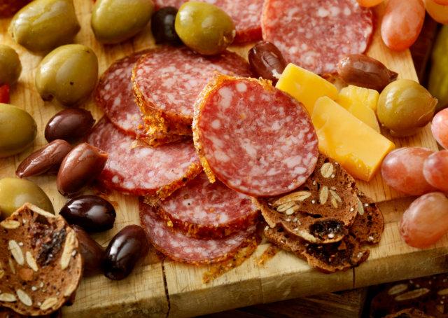 Bacon e outras carnes processadas podem causar câncer, dizem especialistas