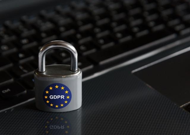 Lei de Proteção de Dados - Cadeado com simbolo do GPDR