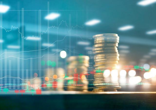 Banktech - Grafico com moedas ao fundo