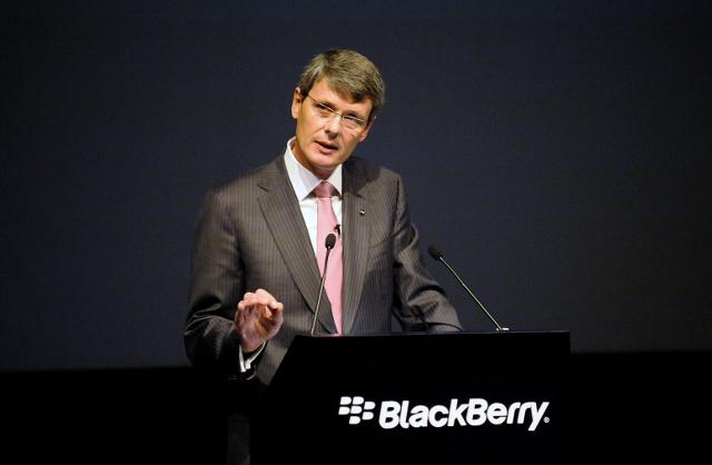 Foco da Blackberry em clientes corporativos não deve conter queda
