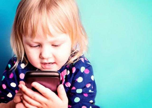 10 motivos para controlar o uso de tecnologia por crianças