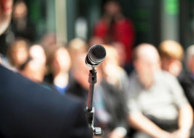 Os 10 erros mais comuns de linguagem corporal em apresentações