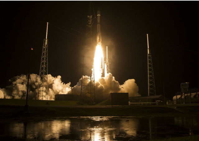 Nasa lança foguete com quatro satélites para estudar campo magnético da Terra