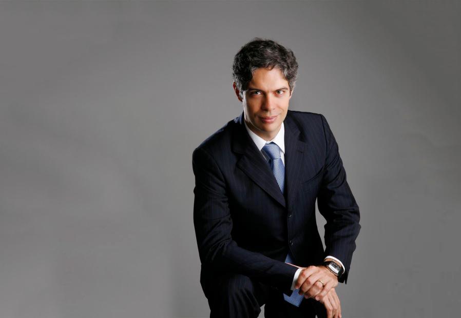 Confira lições para profissionais de secretariado com o economista Ricardo Amorim