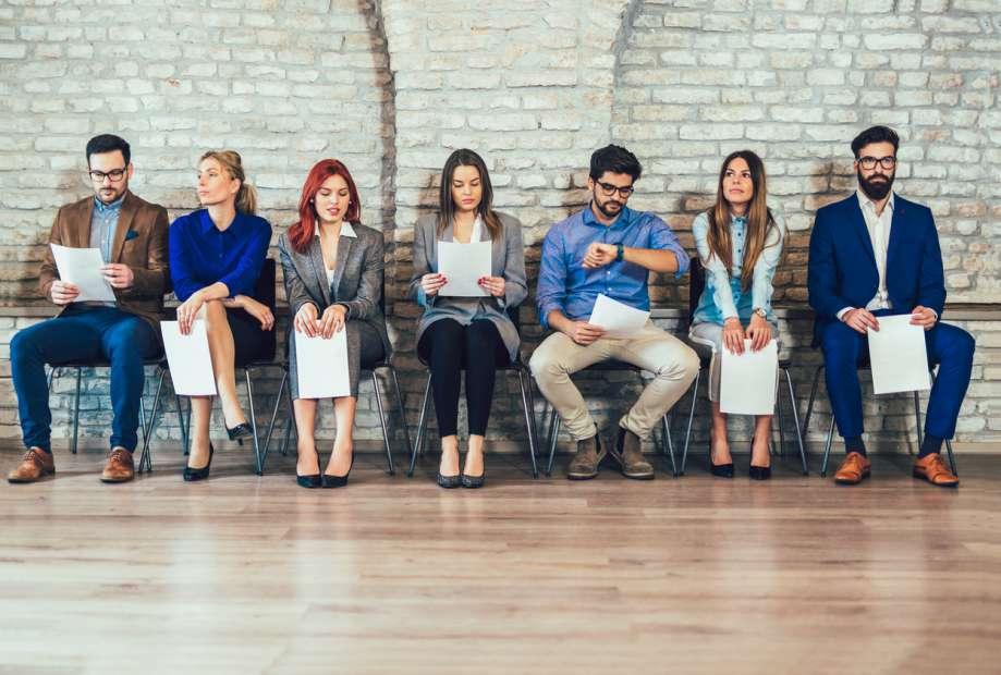 4 atitudes que farão você se destacar na busca por um emprego