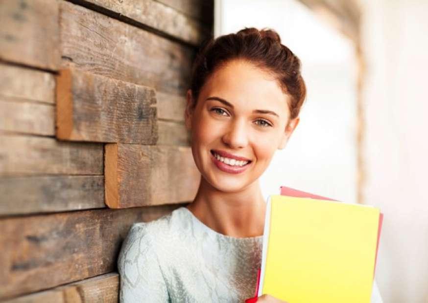 Cinco dicas para incrementar o currículo durante a faculdade