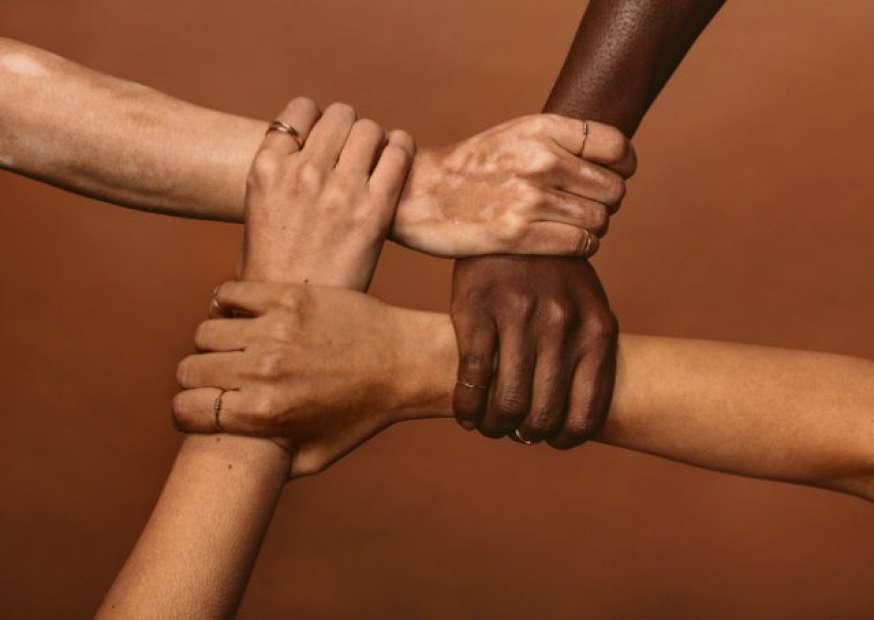 Ter as bandeiras da diversidade nos torna mais inclusivos?