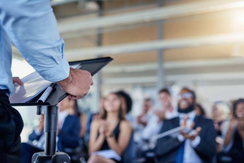 Feira traz diversas opções Graduação e Pós-Graduação fora do País