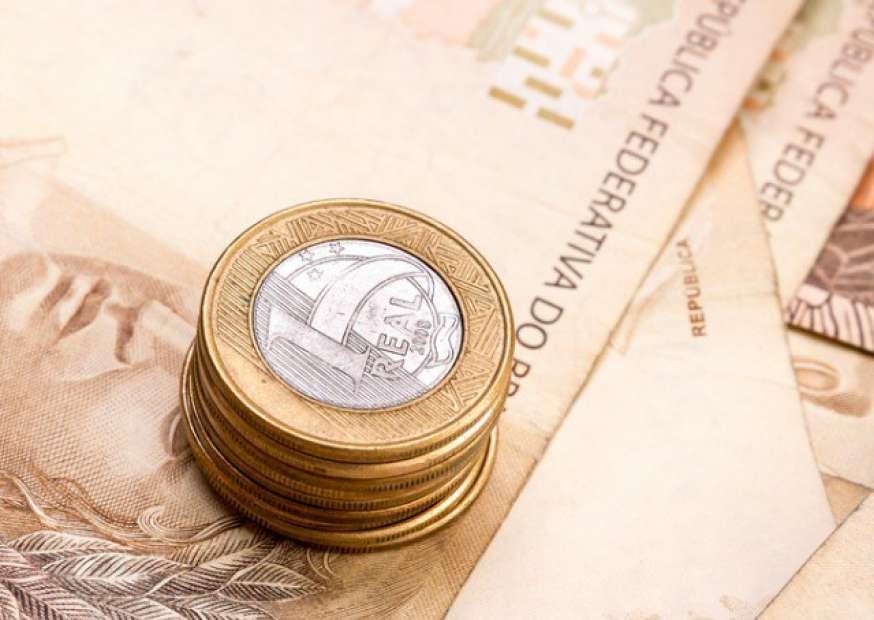Ministro diz que redução do IR será possível após equilíbrio fiscal