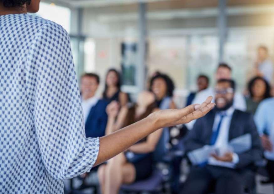 Gestão de negócios é a área com maior oferta em consultoria; saiba como ingressar na carreira