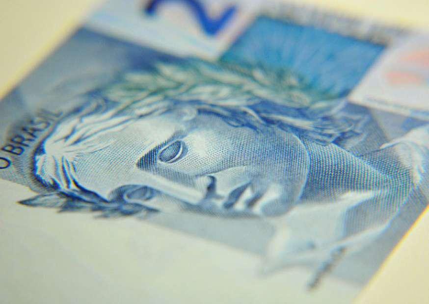 Contas públicas devem ficar negativas em R$ 102,385 bilhões