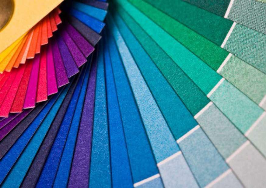 Como as cores influenciam a compra nas lojas virtuais