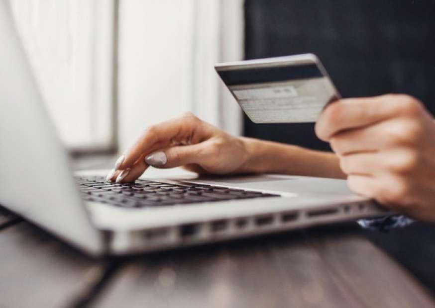 A experiência de compra dos clientes no ambiente on-line depende da coleta de dados