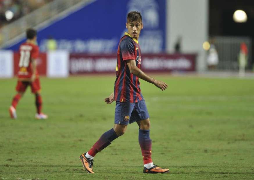 Neymar é finalista ao prêmio da Fifa de gol mais bonito do ano