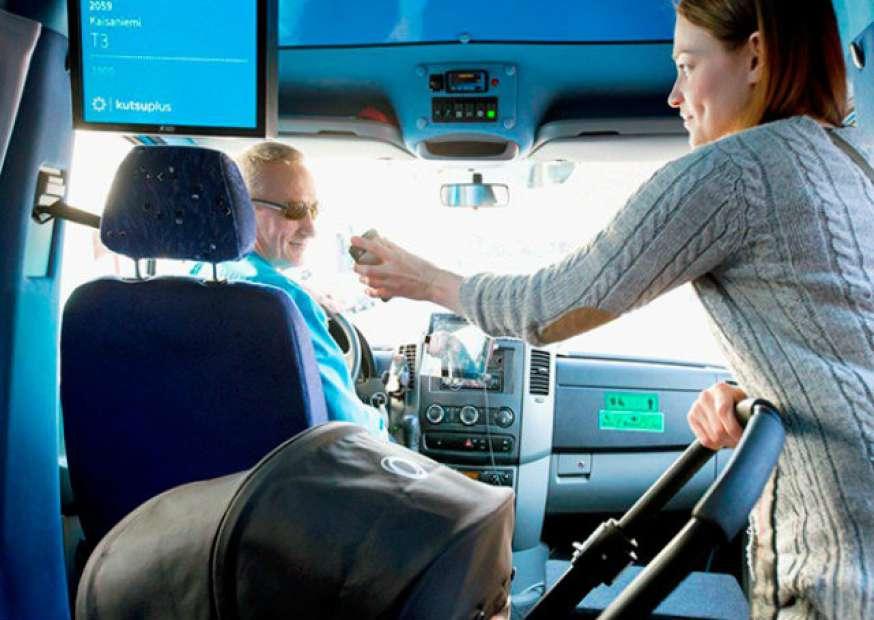 Finlândia testa transporte que é misto de ônibus e táxi: conheça o Kutsuplus