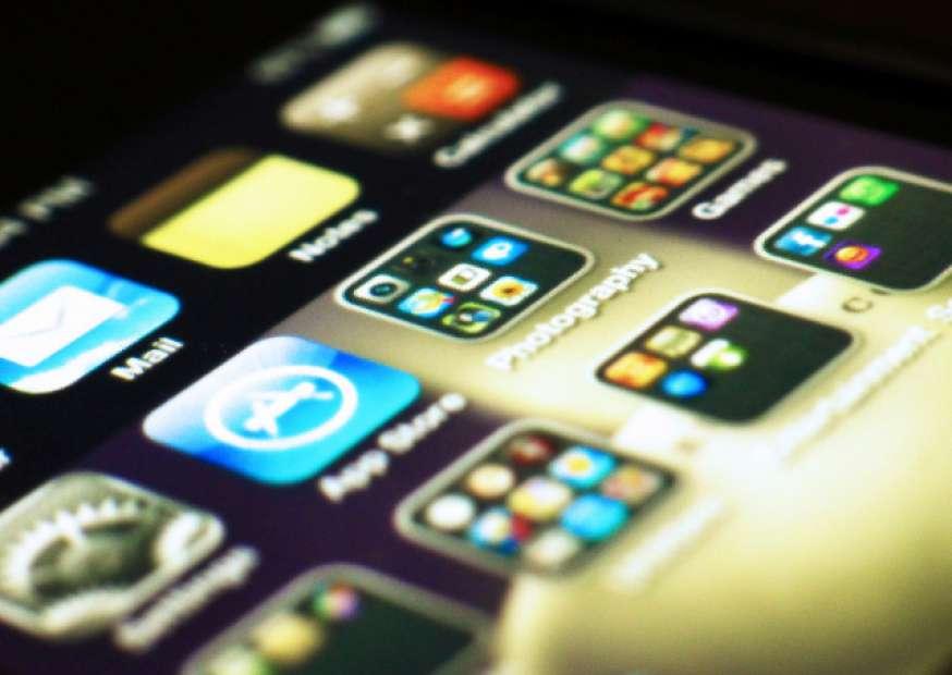 Aplicativos para dispositivos móveis desafiam operadoras e redes de TV