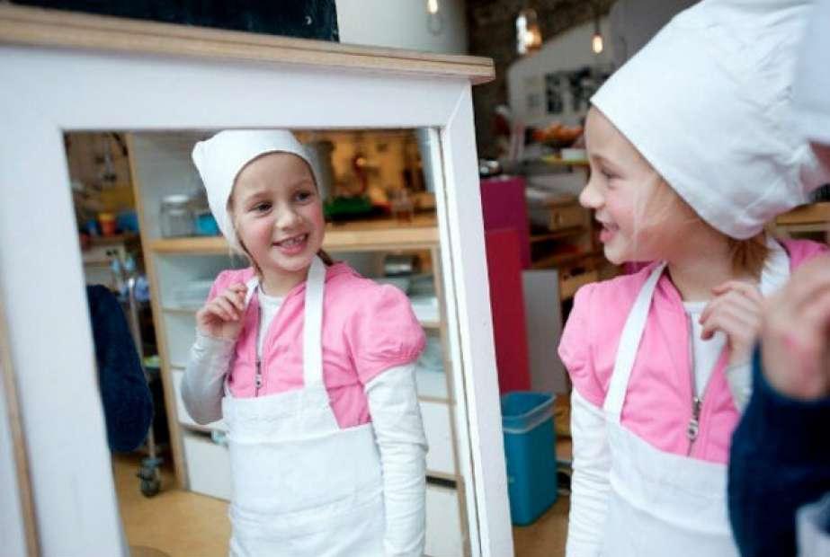 Já imaginou um restaurante todo comandando por crianças?