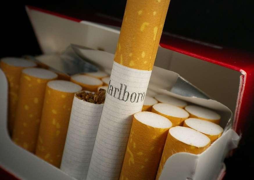 Cowboy da Marlboro morre de doença pulmonar relacionada ao fumo