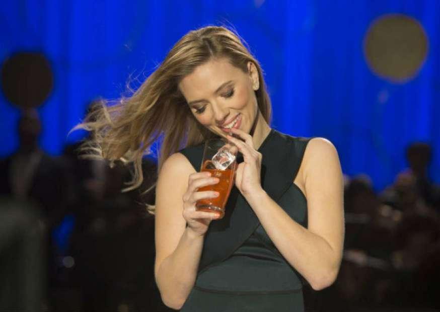 Comercial com Scarlett Johansson é banido do Super Bowl