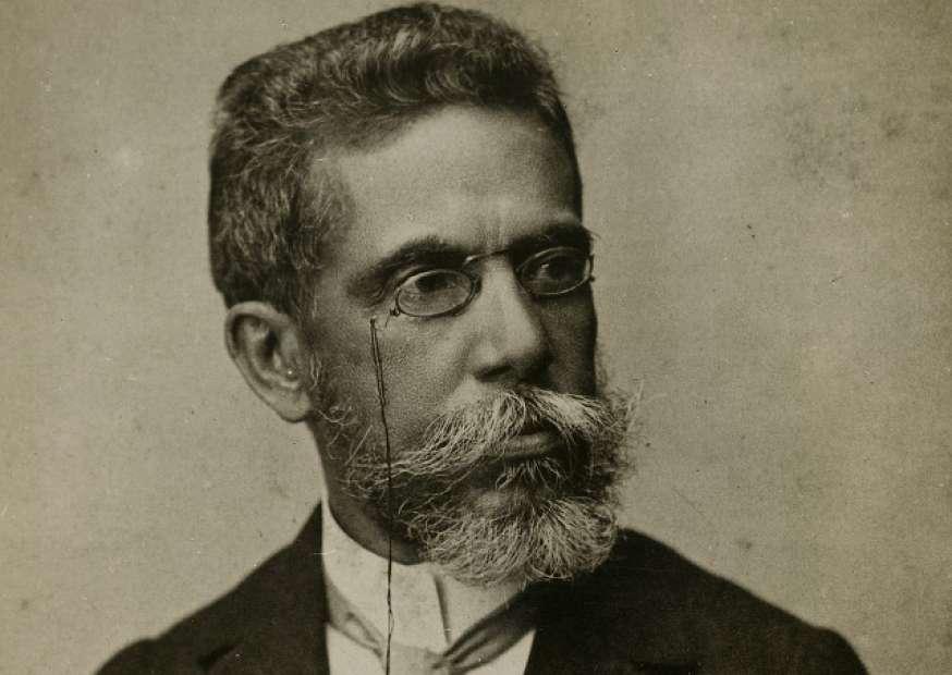 Escritora quer 'facilitar' linguagem de Machado de Assis