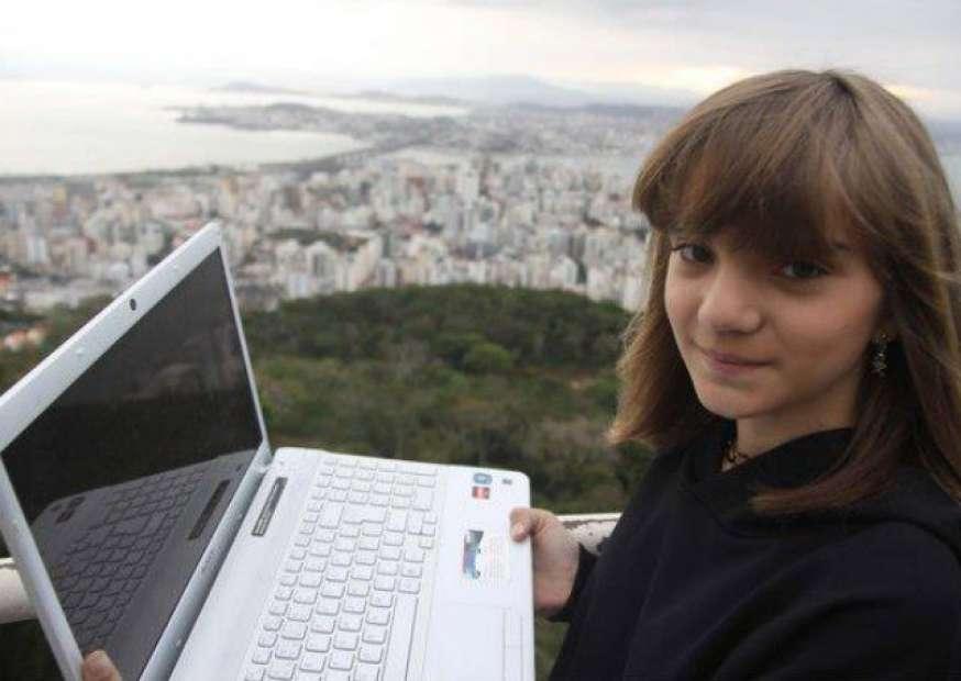 """Livro """"Diário de Classe""""conta a luta de garota em busca de educação de qualidade"""