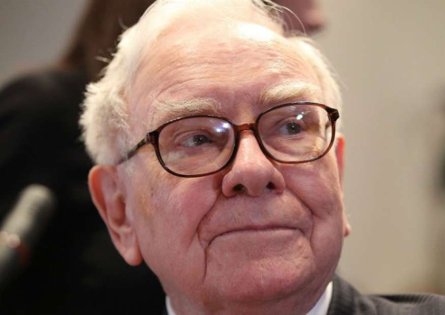 Homem paga US$ 2,17 milhões para almoçar com Warren Buffett