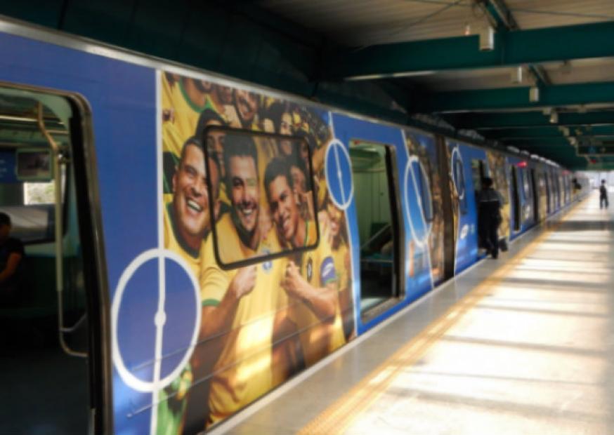 Ação da Samsung personaliza trem com imagens da Seleção Brasileira