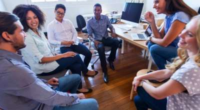 Que virtude você pode praticar para se comunicar melhor?