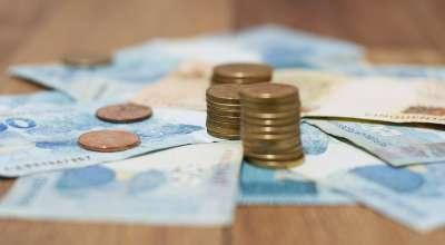 Por que o brasileiro continua preferindo guardar dinheiro embaixo do colchão?