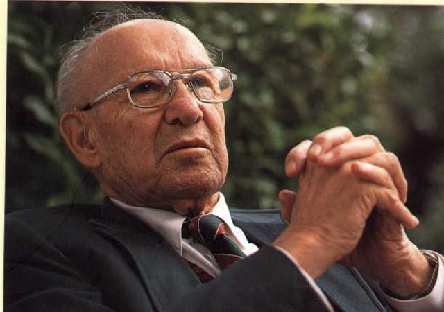 """Há 50 anos, Peter Drucker publicava a primeira edição de """"O gestor eficaz""""; relembre a obra"""