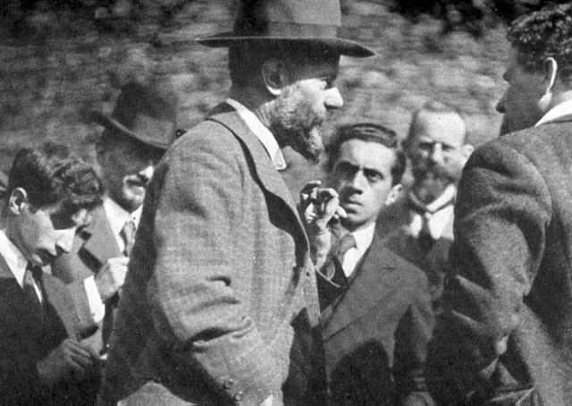 Max Weber e os três tipos puros de dominação legítima