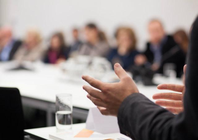 Seis perguntas que você deve se fazer antes de falar em público