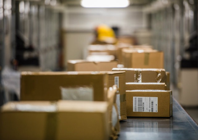 Picking, packing, shipping e reversa: como facilitar o processo logístico para os e-commerces