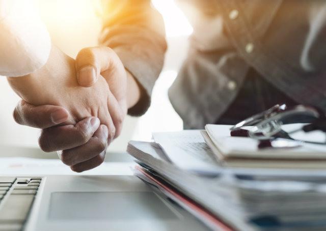 Como prospectar clientes corporativos?